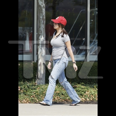 casey_anthony_walking