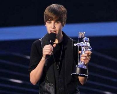 Bieber takes home Best New Artist