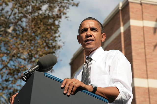 Obama campaigns at USC