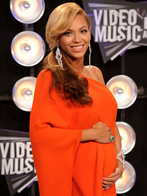 Beyonce Obama on Beyonce Gives Birth To Daughter  Blue Ivy Carter Born