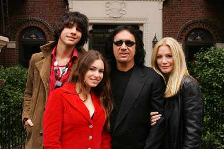 Gene Simmons And Shannon Tweed Get Married Dated For 28 Years