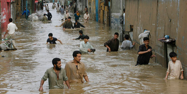 Pakistan flood rages on