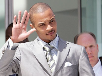 Rapper T.I. sent back to jail for another 11 months following drug charges